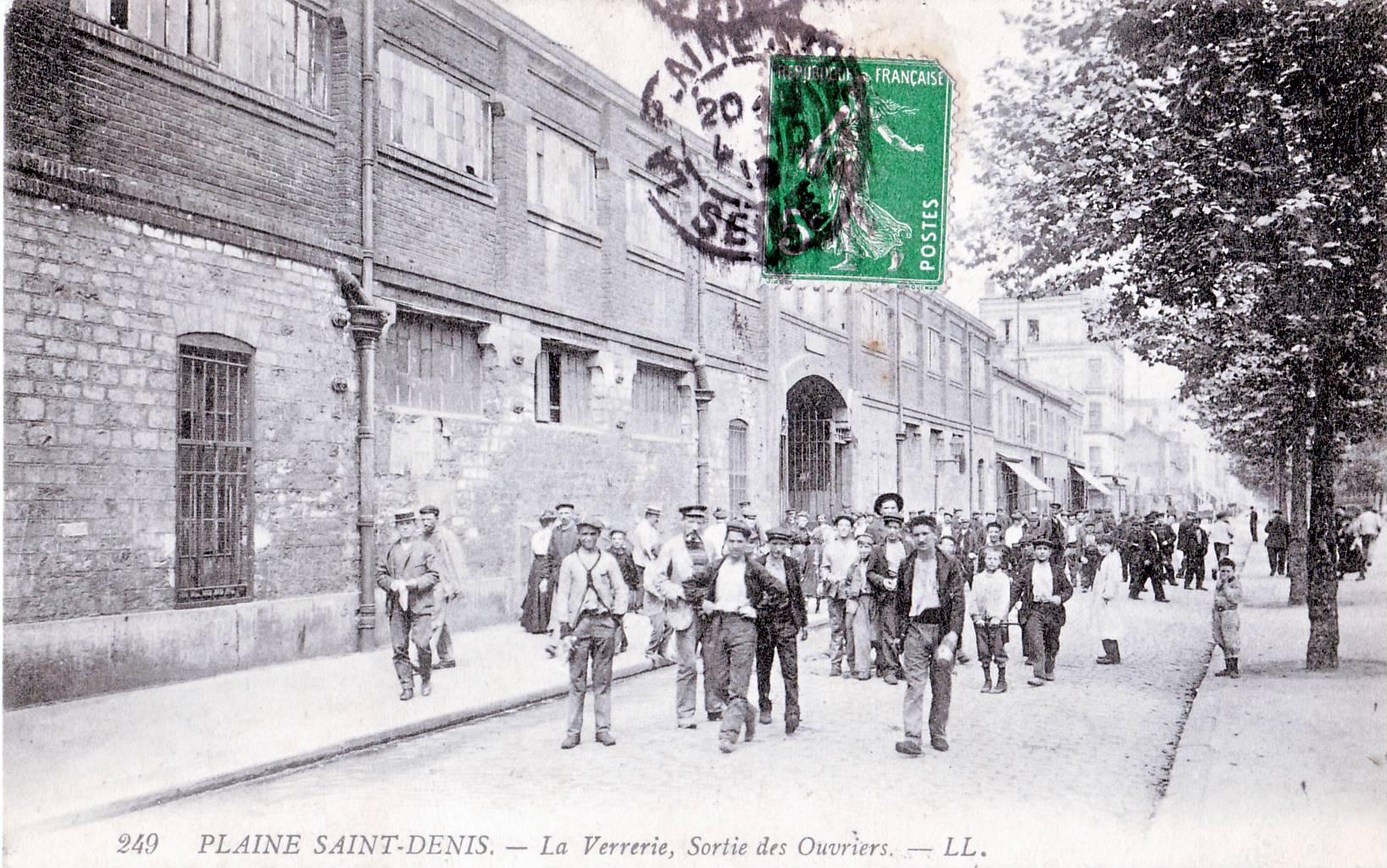 La Plaine ST-Denis - La Verrerie, sortie des Ouvriers
